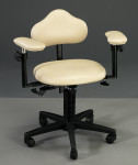 Figure 3  Fixed, adjustable armrests (<em>Image courtesy of Global</em>)